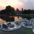 عکس - برگزاری کنسرت در صفحات شناور روی آب