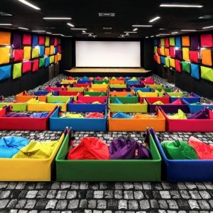 عکس - نگاهی به یک سینمای متفاوت و جذاب