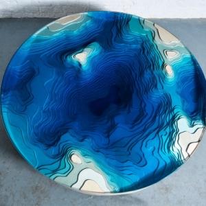 تصویر - میز قهوه خوری که شما را به عمق اقیانوس می برد. - معماری