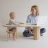 عکس - میز چندمنظوره خاص برای نگهداری کودک و کتاب