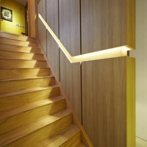 تصویر - جزئیات طراحی پله - نرده های تو کار - معماری
