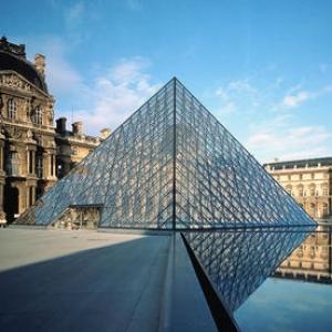 تصویر - هرم موزه لوور برنده یک آزمون تاریخی شد - معماری