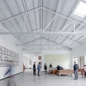 تصویر - کارخانه قدیمی، استودیوی نقاش سنتگرای چین شد - معماری