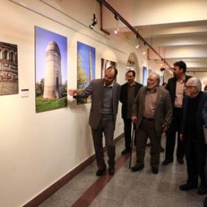 عکس - صبا میزبان روایتی تصویری از بناهای آجری