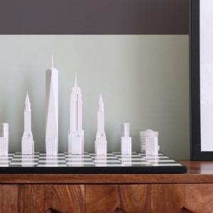 عکس - ساختمانهای نمادین شهر نیویورک به عنوان مهره های شطرنج