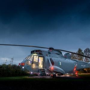 عکس - تبدیل یک هلی کوپتر نیروی دریایی به هتلی بی نظیر