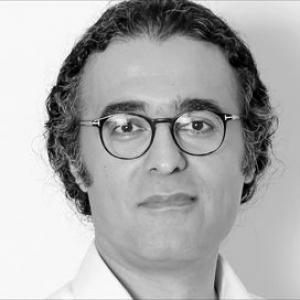 عکس - بهزاد اتابکی : جایزه فستیوال جهانی معماری موجب معرفی معماری معاصر ایران میشود