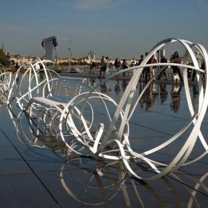 تصویر - نیمکتهایی به شکل اسپاگتی در Bordeaux فرانسه - معماری