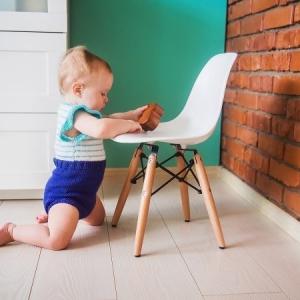 عکس - صندلی و میز تحریر کودک