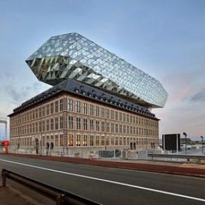 تصویر - رونمایی معماران زاها حدید از سازه غافلگیرکننده یک بندر تاریخی - معماری