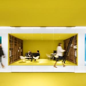 عکس - طراحی داخلی دفتر مرکزی شرکت Playster , اثر تیم طراحی ACDF Architecture , کانادا