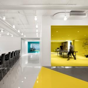 تصویر - طراحی داخلی دفتر مرکزی شرکت Playster , اثر تیم طراحی ACDF Architecture , کانادا - معماری
