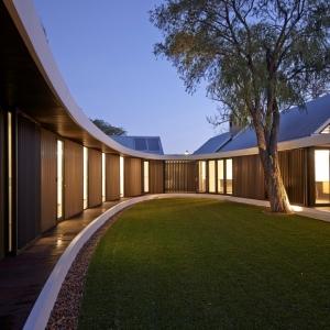 تصویر - خانه Subiaco , خانه ای با حیاط مرکزی بیضی شکل , اثر تیم Luigi Rosselli , استرالیا - معماری