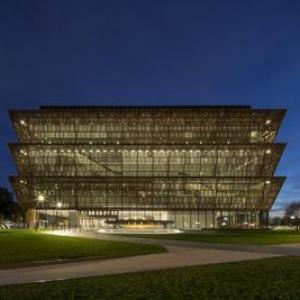 تصویر - جایزه بهترین طراحی سال برای موزه اسمیتسونیان آفریقا آمریکا - معماری