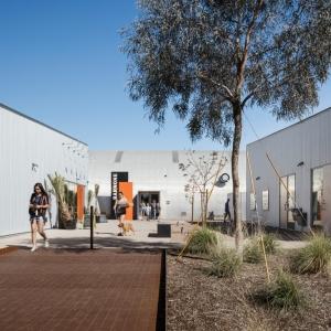 تصویر - مجموعه خدماتی BARNONE , اثر تیم طراحی debartolo architects , آمریکا - معماری