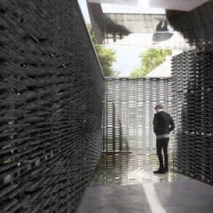 عکس - معمار مکزیکی و طراحی هجدهمین پاویون سرپنتین 2018