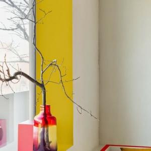تصویر - 7 ایده برای استفاده مفیدتر از فضای جلوی پنجره - معماری