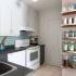 عکس - ۹ راهکار برای ایجاد فضای بیشتر و سازماندهی وسایل در داخل کابینت ها