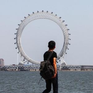 تصویر - افتتاح بزرگترین چرخ فلک بدون چرخدنده جهان - معماری