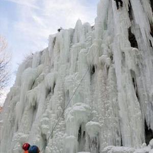 تصویر - آبشار یخ زده , چین , شهر بیجی - معماری