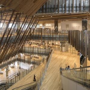 تصویر - کتابخانه Toyama Kirari , اثر تیم طراحی Kengo Kuma و همکاران , ژاپن - معماری
