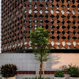 تصویر - نمونه هایی از دیوارهای ساخته شده با مواد  بازیافتی - معماری