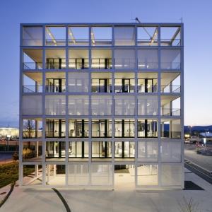 عکس - ساختمان مرکزي شرکت C&P , اثر گروه معماری INNOCAD , اتریش