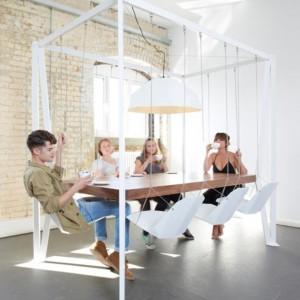 عکس - میز با صندلی های تاب مانند (Swing Table) ، اثر تیم طراحی Duffy London