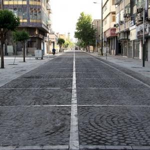 تصویر - جای خالی افراد پیاده در کلانشهرها , لزوم بازنگری بر شهرهای متکی بر خودروها - معماری