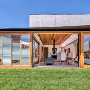 عکس - بازسازی یک خانه , اثر تیم طراحی CplusC Architectural Workshop , استرالیا
