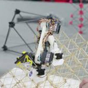 تصویر - ساخت سازه های مدولار توسط ربات BILL-E موسسه فناوری ماساچوست (MIT) - معماری