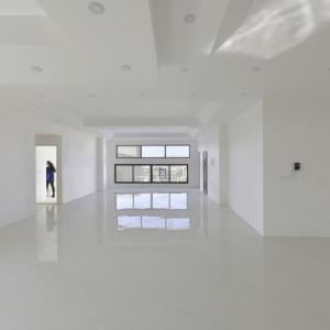 تصویر - ساختمان مسکونی آوینی , اثر دفتر معماری هرم , قم - معماری