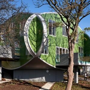 تصویر - چارلز جنکس و مگی کسویک؛ آدم هایی که معماری، امید و سرطان دغدغهاشان بود. - معماری