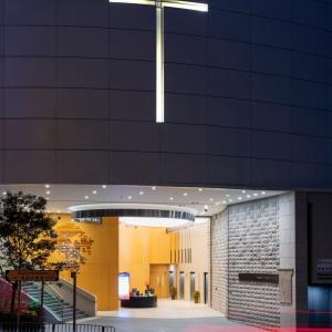 تصویر -  کلیسای آسمان خراش ،اثر تیم طراحی روکو ،هنگ کنگ - معماری