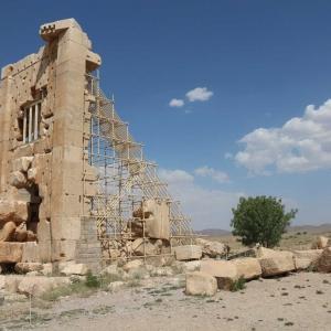 عکس - مقبره کمبوجیه پاسارگاد ، زندان سلیمان یا مرکز نگهداری اسناد