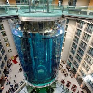 عکس - آکواریوم آسانسوری AquaDom , اثر معمار Sergei Tchoban , برلین