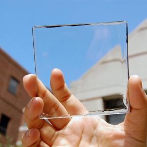 عکس - پنل های خورشیدی شفاف تحولی شگرف در دنیای تکنولوژی