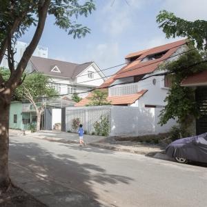 تصویر - خانه Tile Roof , اثر آتلیه K59 , ویتنام - معماری