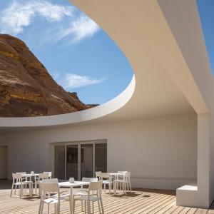 تصویر - مرکز گردشگری بیابانی AlUla , اثر استودیو طراحی KWY , عربستان سعودی - معماری