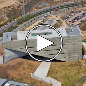 عکس - مرکز آموزشی Roberto Garza Sada در دانشگاه Monterrey ، اثر تادائو آندو ( Tadao Ando ) ، مکزیک