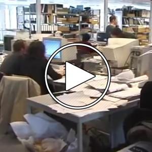 عکس - رم کولهاوس (Rem Koolhaas) در دفتر معماری OMA ، سال 2000