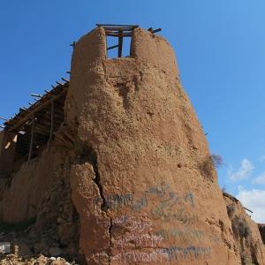 عکس - پیشنهاد ساخت هتل خشتی در دماوند