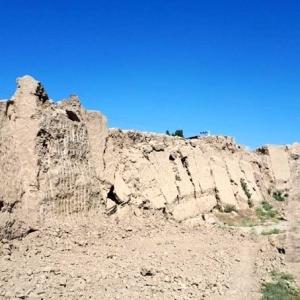تصویر - تخریب یکی از بزرگترین معماریهای خشتی ایران در دامغان - معماری