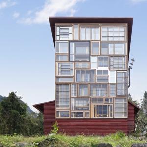 عکس - ۱۰ پروژه ای که به درهای و پنجره های قدیمی زندگی دوباره بخشیده اند.