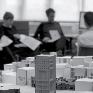 عکس - چالش معماران با فرآیند آموزش دانشگاهی ، سیستم آموزشی که راه خود را میرود
