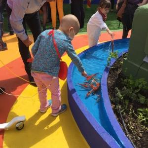 تصویر - پروژه زمین بازی کودکان بر بام سبز یک بیمارستان ،اثر Moneo Brock ، اسپانیا - معماری