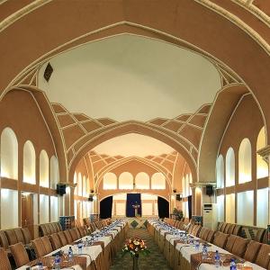 تصویر - هتل باغ مشیر الممالک، اولین هتل باغ ایرانی با معماری و تجهیزات کاملا سنتی - معماری