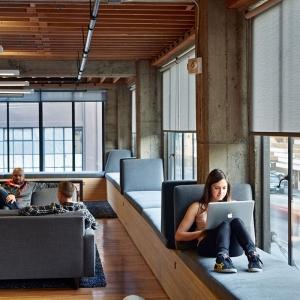 تصویر - 8 نمونه پنجره با ایجاد فضایی برای نشستن - معماری