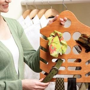 عکس - ایده ای فوق العاده و بسیار کاربردی برای سازماندهی روسری ها و کمربندها
