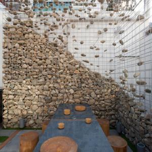 عکس - دیوارهای سنگی و حفاظهای گابیون،پیشنهادی عالی برای خانه های مدرن